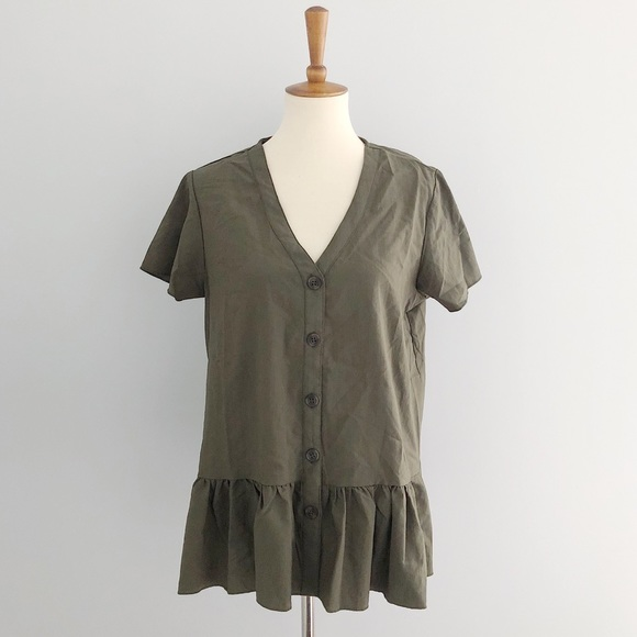 Tops - V-Neck Button Down Blouse Size Large